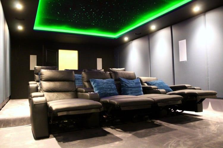 Home cinema room with integrated smart lighting